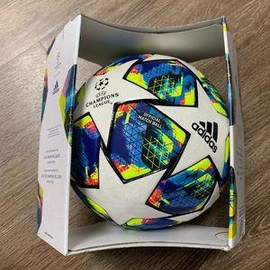 Adidas 2019 UEFA Champions League Final